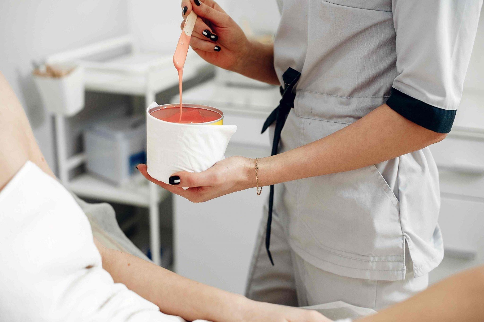 lady getting a wax